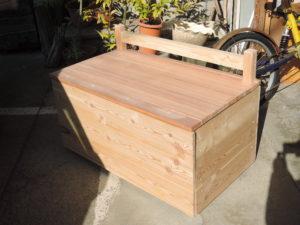 ベンチ 木工