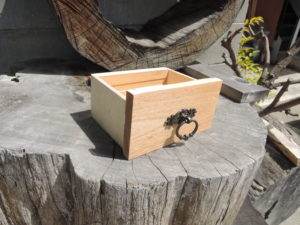 木工作品 引き出し 取っ手