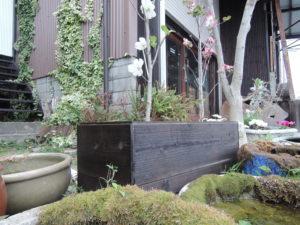 鉢カバー 焼杉板